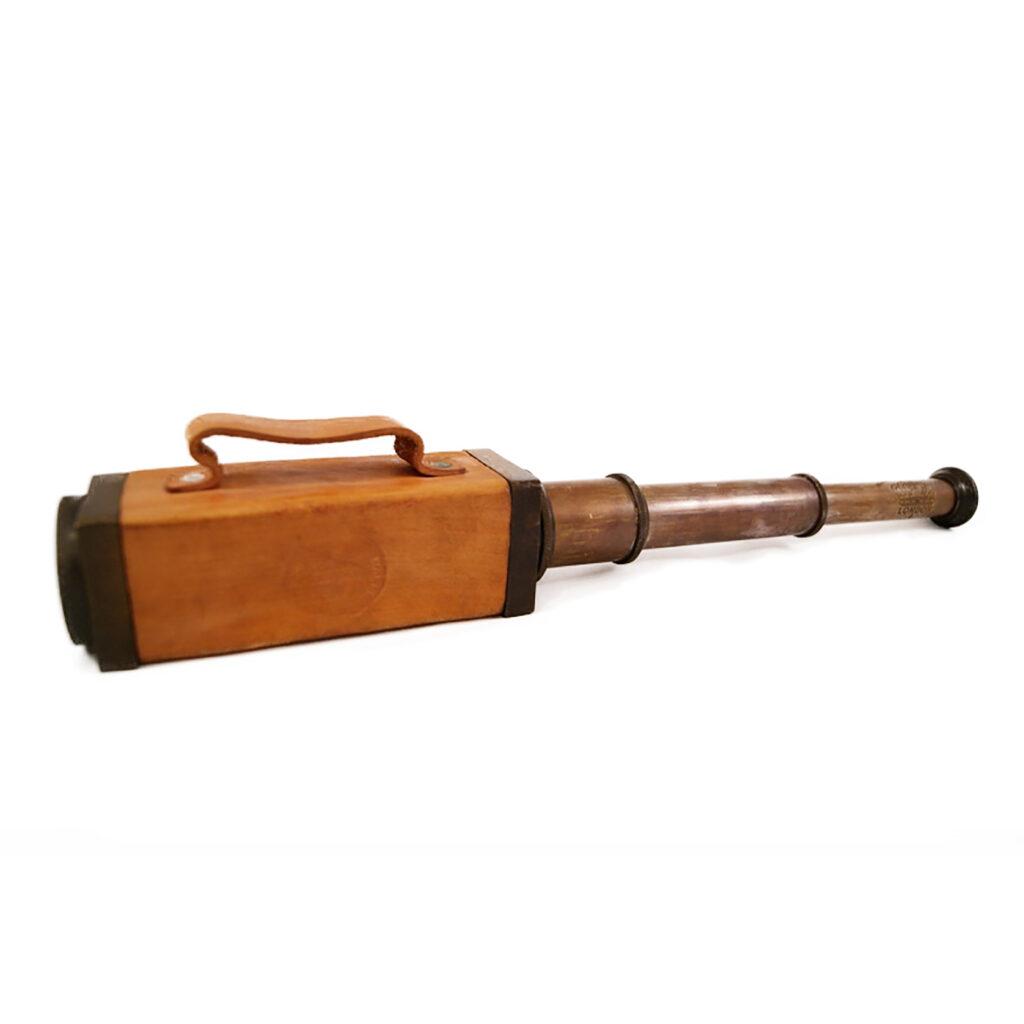 Távcső szögletes markolattal 45 cm Távcső