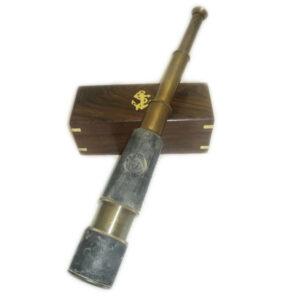 Antik távcső koptatott bőrmarkolattal 48 cm Távcső